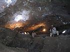 Obě jeskyně se nacházejí přibližně v hloubce 1200 stop pod povrchem (cca 365m).